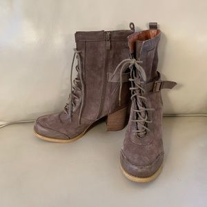 SBICCA mauve leather combat boots 8 brown grey